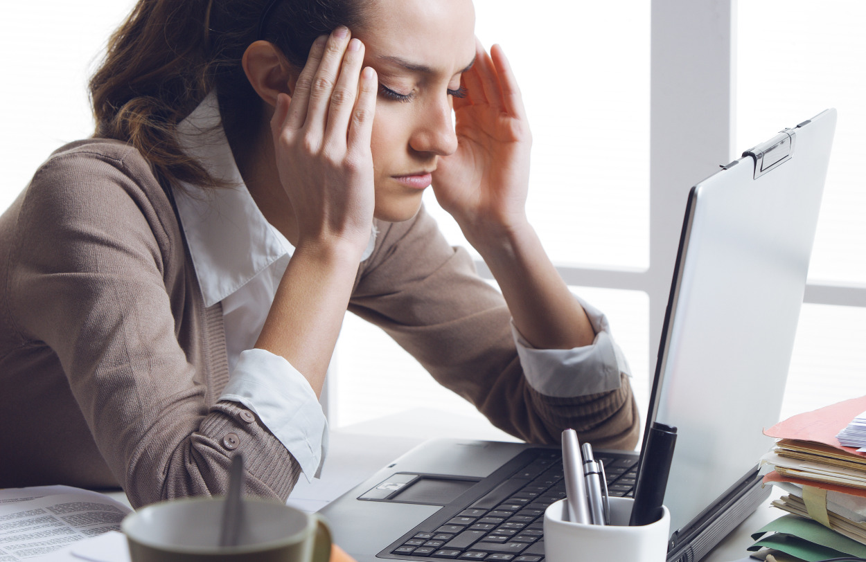 syk av stress på jobb